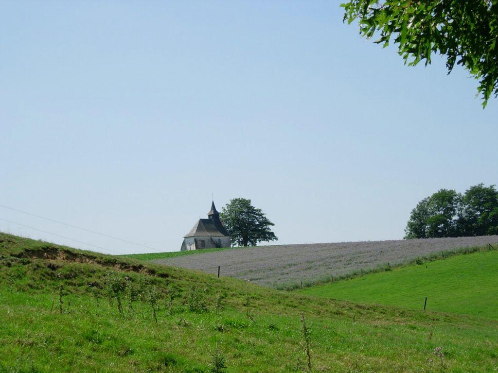 La chapelle du Try-au-Chêne, vue du sentier St Hubert (n° 81)