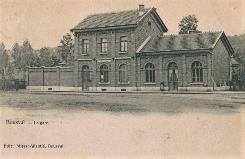 Façade avant de l'ancienne gare de Bousval (1906)